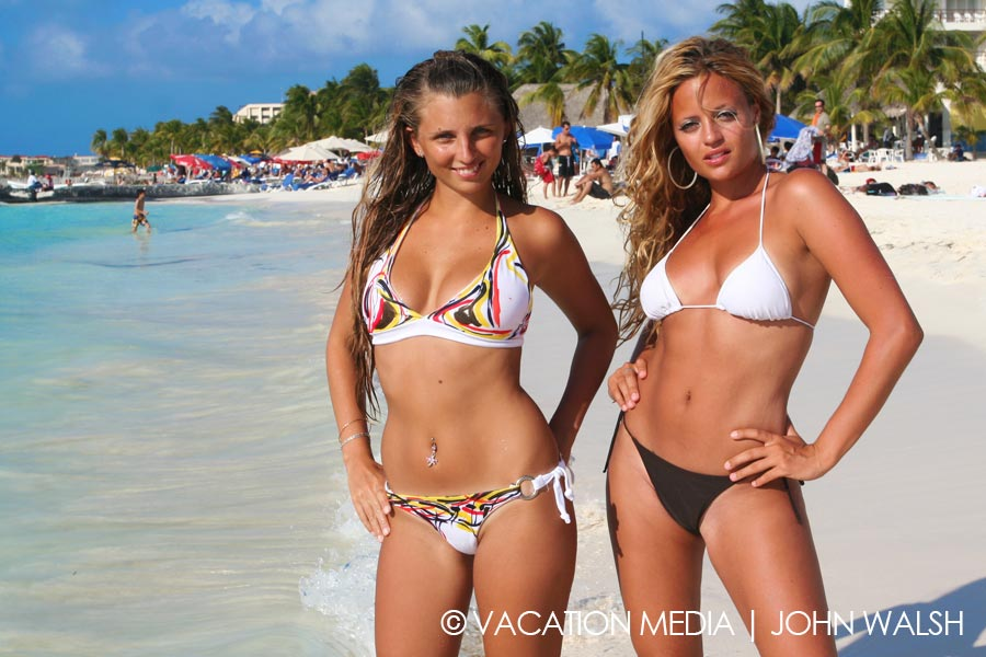 Gorgeous Women On Isla Mujeres